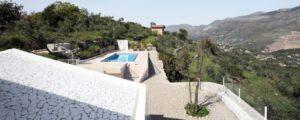 URLAUBSARCHITEKTUR Villa Due Pini Aussicht001 Credits villa2pini.weebly.com