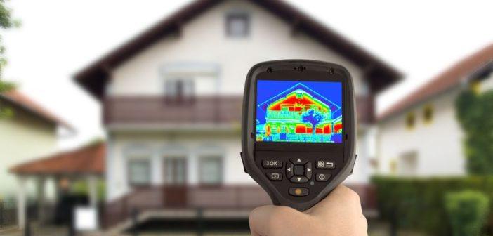 Wärmeverlust Erkennung des Hauses mit Infrarot-Wärmebildkamera