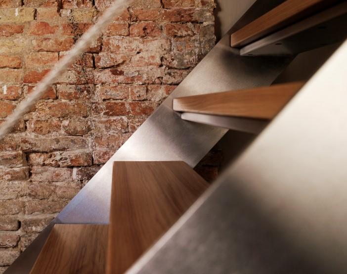 Eestairs trap hout met rvs te Nijkerk /EeStairs /Juni 2007